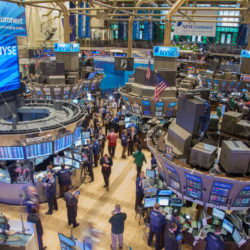 You-don't-have-to-be-on-the-trading-room-floor-to-learn-how-to-invest-in-the-stock-market